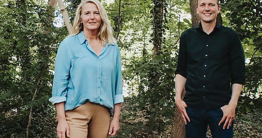 Gemeinsam auf dem Foto: Birgit Neyer und Jan-Niclas Gesenhues